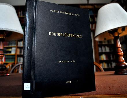 Schmitt Pál doktori disszertációja