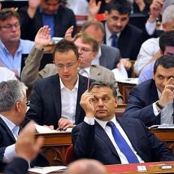 Rendkívüli frakcióülés Schmitt miatt a Fideszben