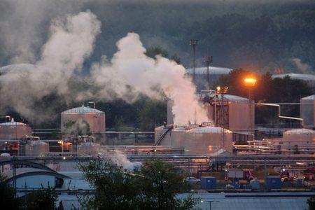 Baleset: Robbanás a Mol zalaegerszegi olajfinomítójában
