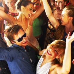 A szép magyar lányok vonzzák a turistákat