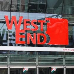 Lezuhant egy kisfiú a WestEnd első emeletéről