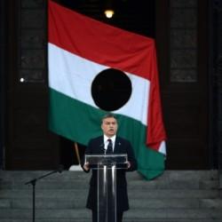 Október 23.: Orbán az idegenek ellen, Bajnai a kormány ellen prédikált