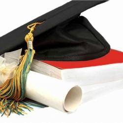 Milliókat kér a kormány a diplomáért