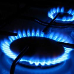 10%-kal csökkentené a gáz- és a villanyárakat a kormány