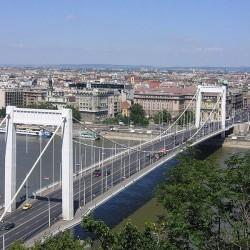 Fél Budapestet lefoglalná a kormány március 15-én