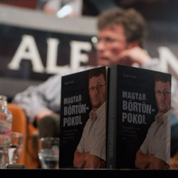 Ötmilliós pert akasztanak Stohl nyakába a börtönnaplóért
