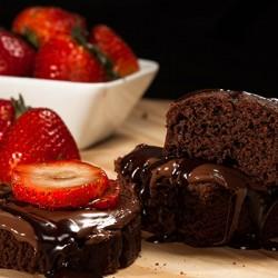 Csokis muffin eperrel – még muffin papírt sem kell használnunk, ha szilikonban sütjük