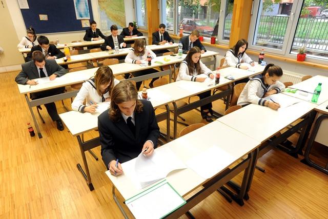 Oktatás - Érettségi - Megkezdődtek a vizsgák,Oktatás - Érettségi - Megkezdődtek a vizsgák,Oktatás - Érettségi - Megkezdődtek a vizsgák