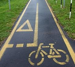 Közlekedés - Kerékpárút a Balatonon